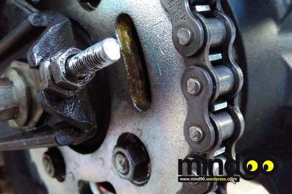 Tips: Membersihkan Rantai SepedaMotor